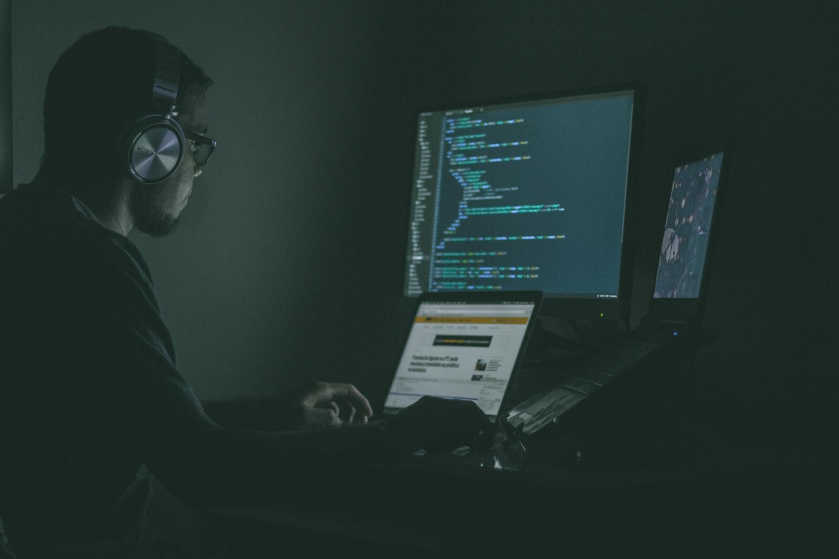 解决MySQL使用localhost可以连接但是用127.0.0.1不可以连接问题