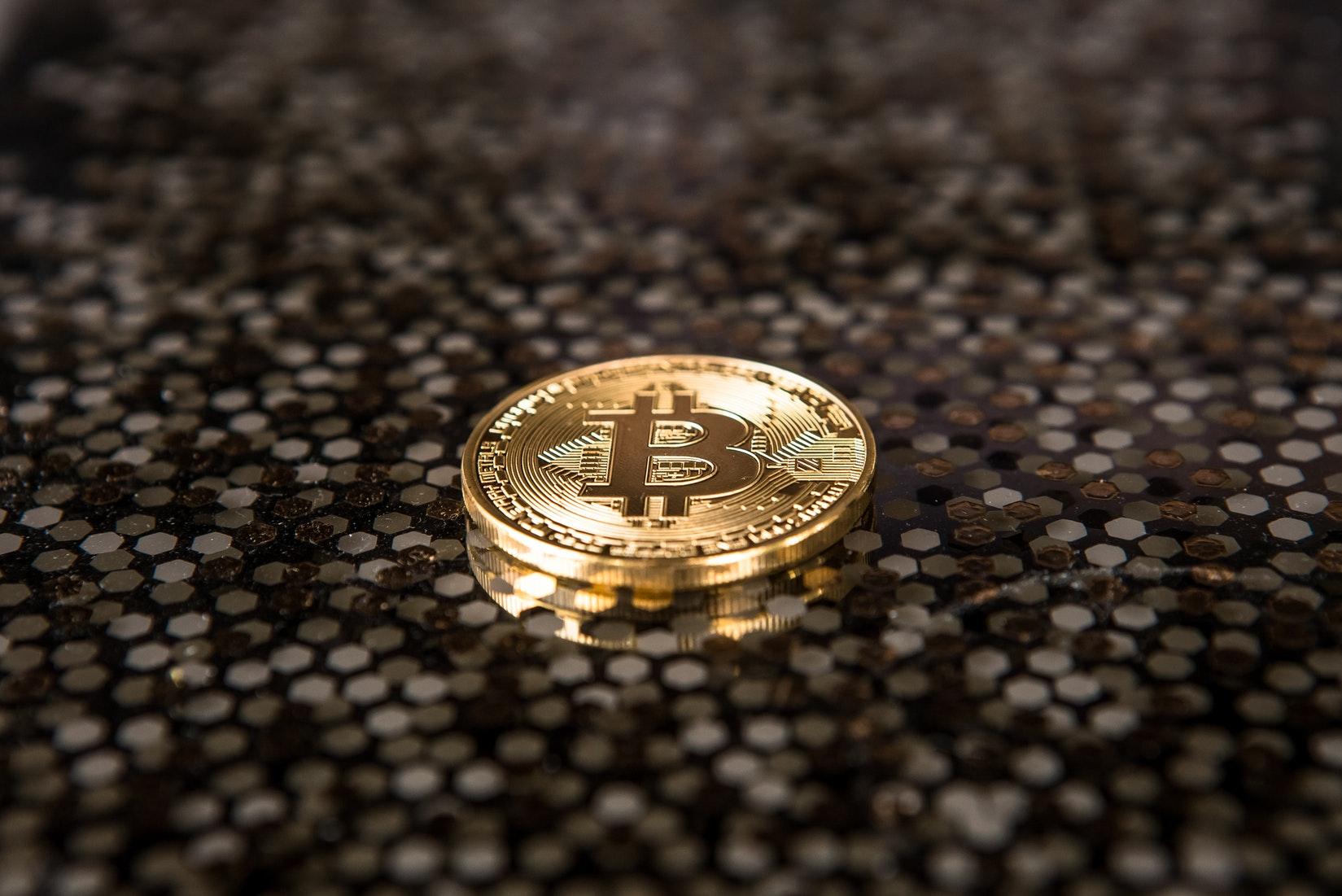 央行发公告叫停虚拟代币ICO,比特币、莱特币暴跌